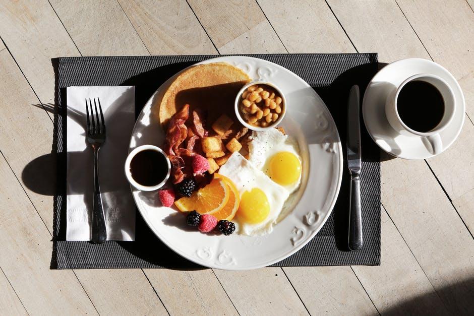 Какие продукты рекомендуется есть на завтрак, чтобы худеть – bit.ua